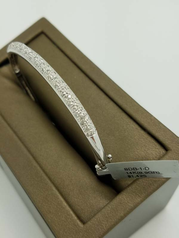 14k White Gold 0.60ct Diamond Pave Bangle Bracelet