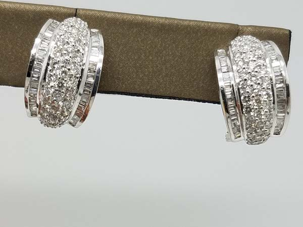 18k White Gold 8.5gr Thick Huggie Round and Baguette Diamond Earrings 3.00ct