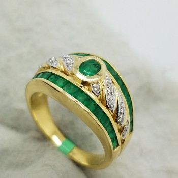 "18K	Yellow Gold	""18K	Yellow Gold		0.25	CT.	MIXED	CUT		EMERALD	DIAMOND		COCKTAIL	RING""	0.25	CT.	MIXED	CUT		EMERALD	DIAMOND		COCKTAIL	RING"