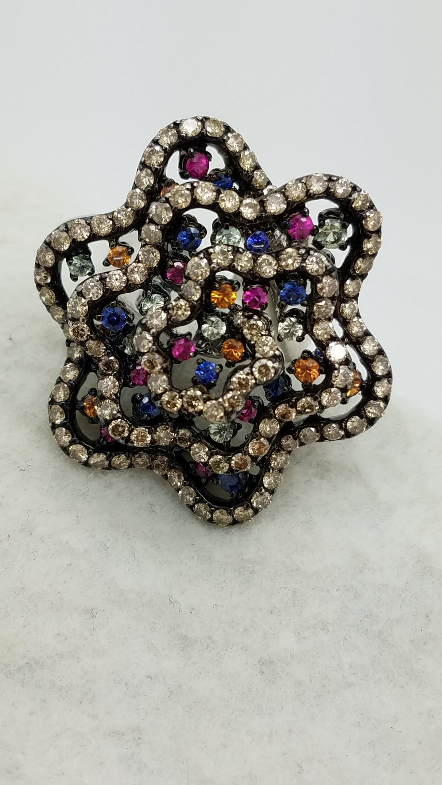 18k White Gold Star Flower Cocktail Ring with Chocolate Diamonds 2.75ct and Sapphire Mix