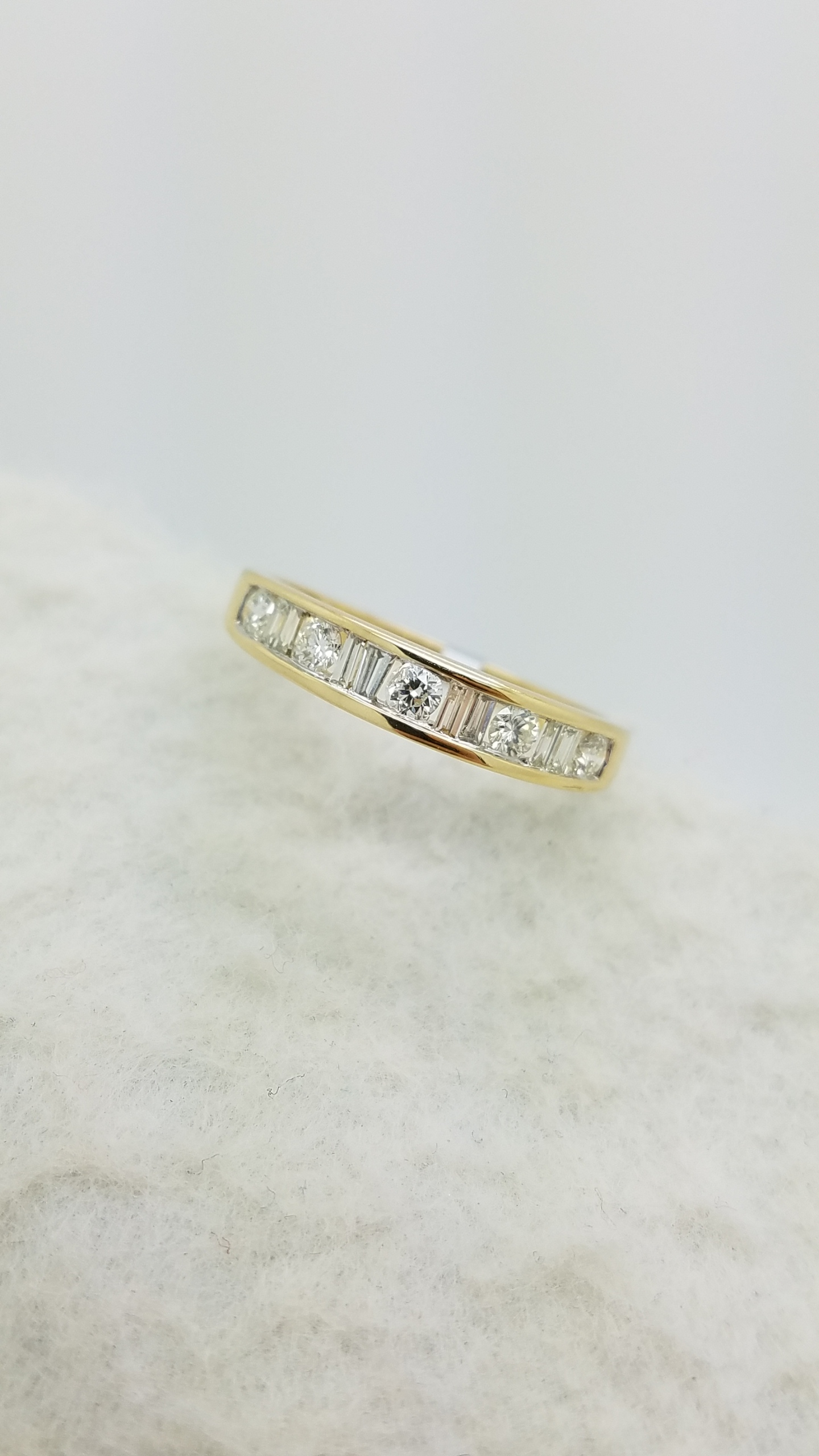 14K	YG		0.25	ct	Round +Baguette	Cut	Alternating	Diamond	channel-set	Anniversary Band	Ring
