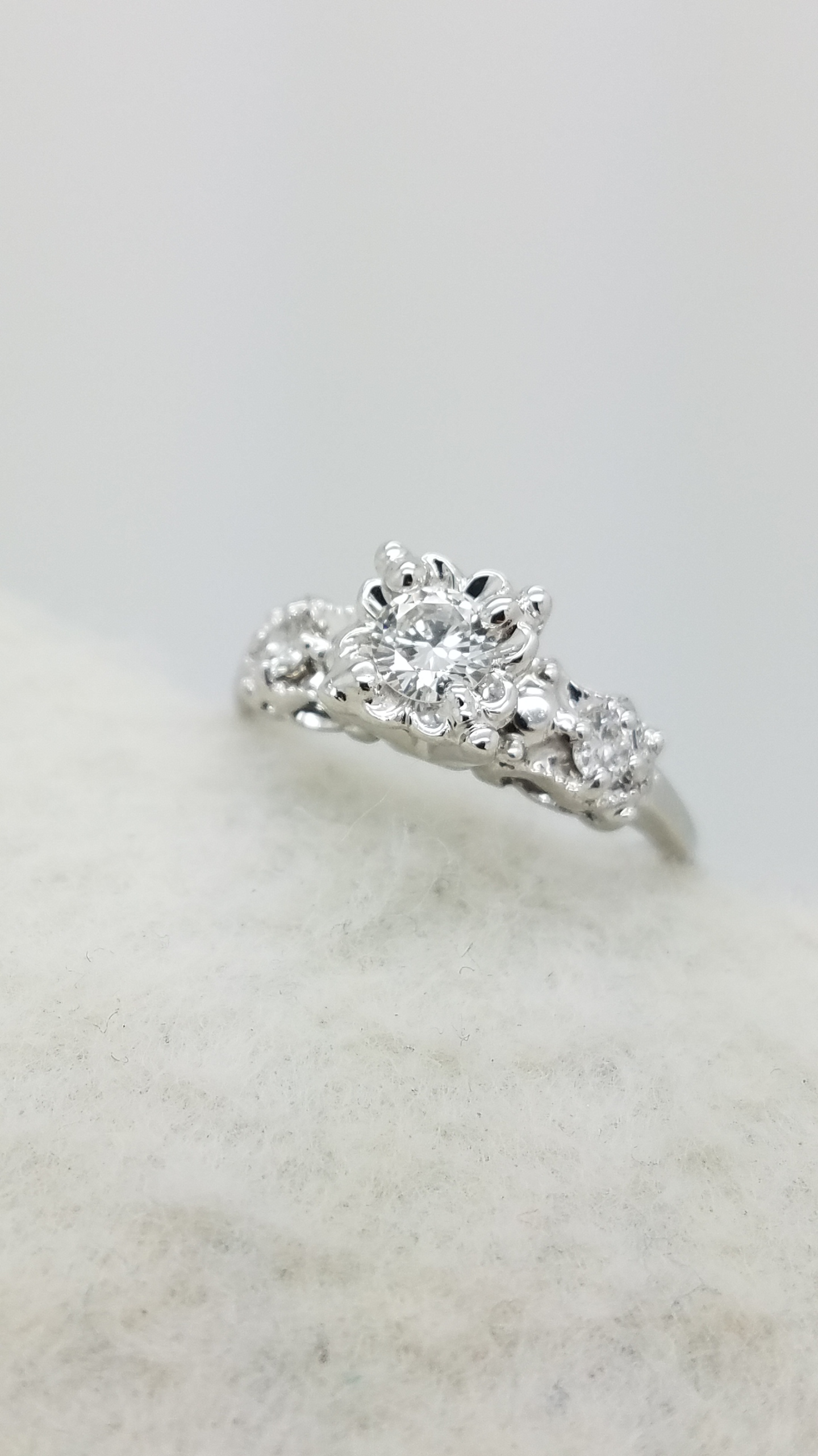 14K        White Gold        ENGAGEMENT        0.60        ct        Round        Cut                Diamond        4-prong        Anniversary Band        Ring