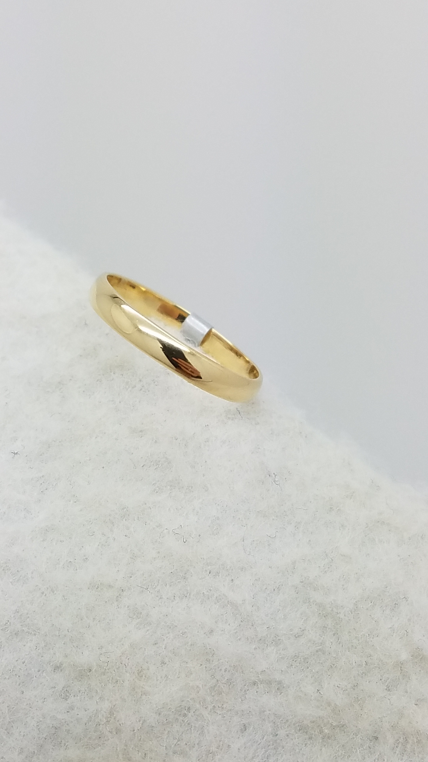 14K	Yellow Gold	HALF ROUND								Bands without Stones	Ring