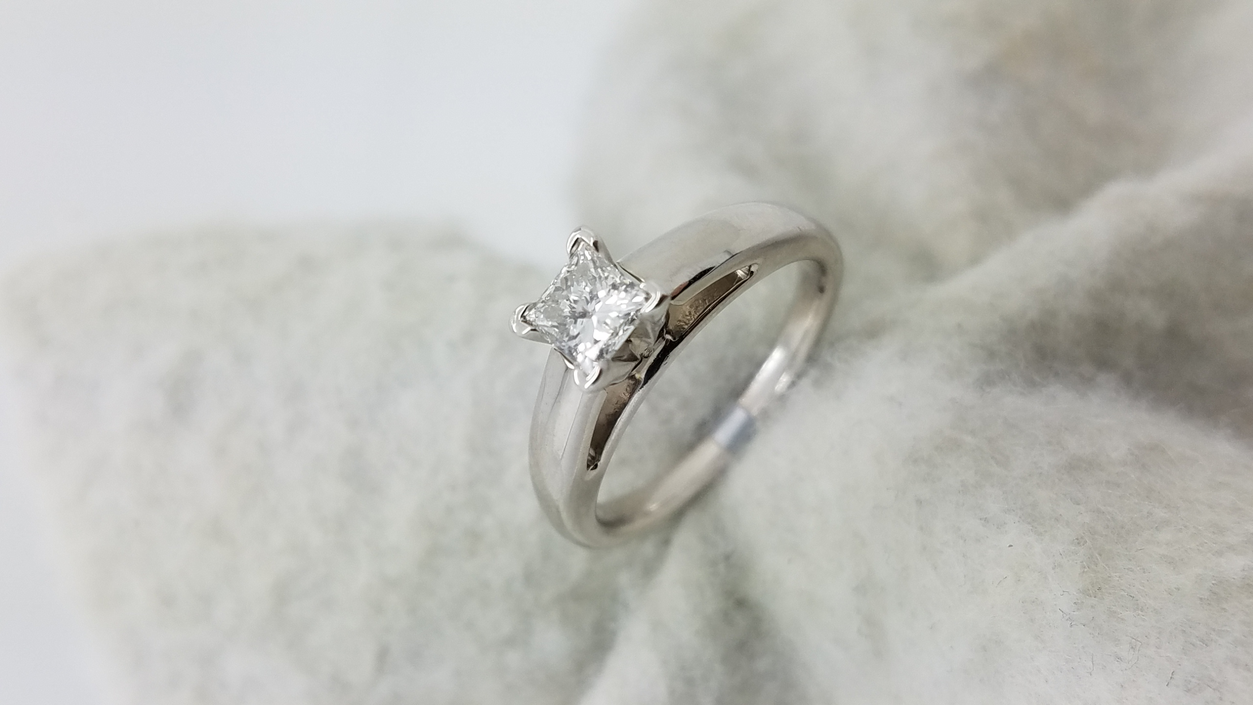 14K	White Gold	Cathedral	0.51	ct.	PR	Cut		G	SI2	4-prong	Solitaire	Engagement-Ring