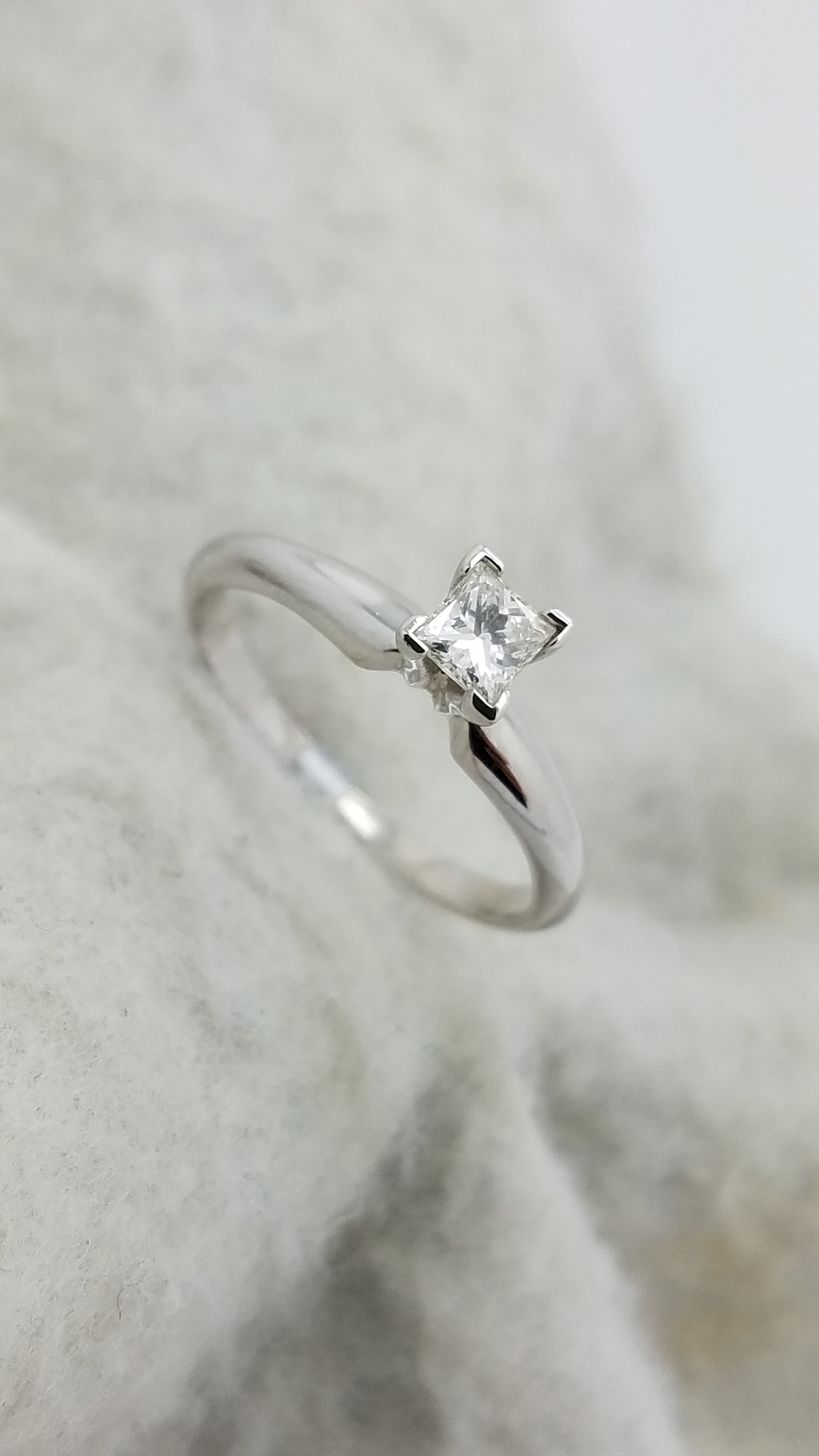 14K White Gold CLASSIC 0 25 ct Princess Cut Diamond H VS2 4 prong