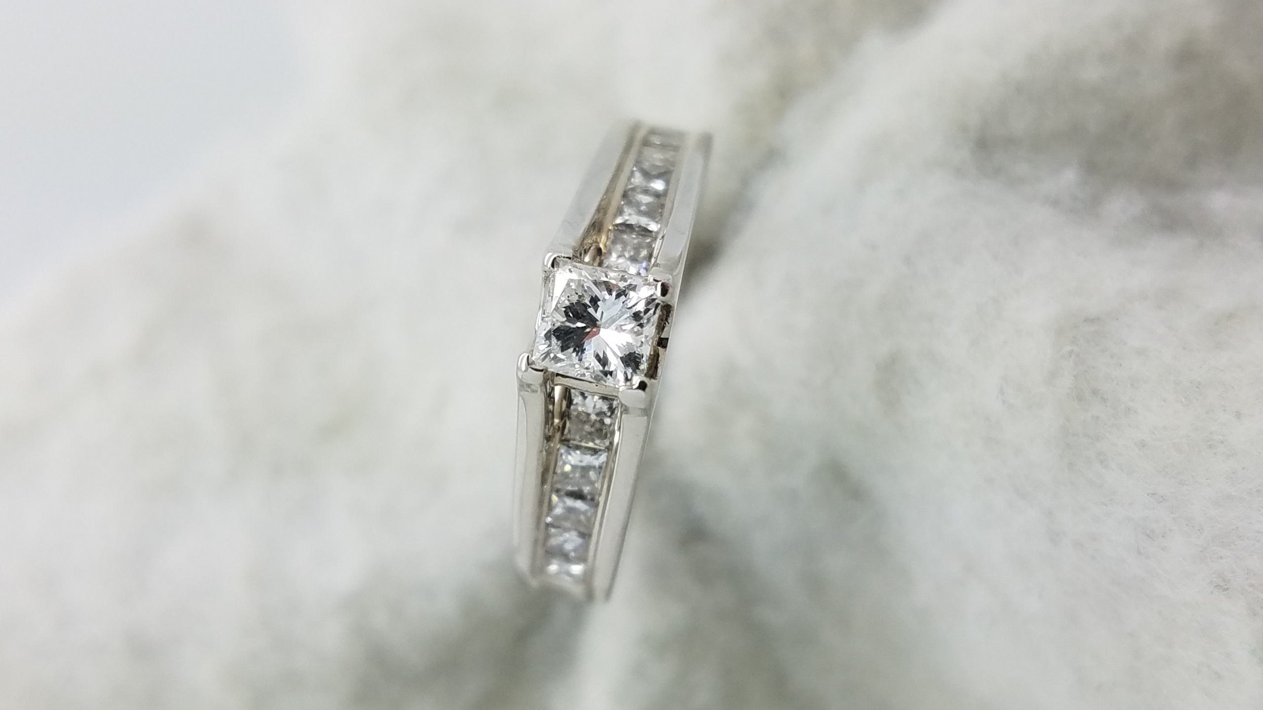 14K	White Gold	cathedral	0.50+0.60	ct.	PR	Cut	Diamond	J	I1	4-prong	Solitaire with Accents	Engagement-Ring