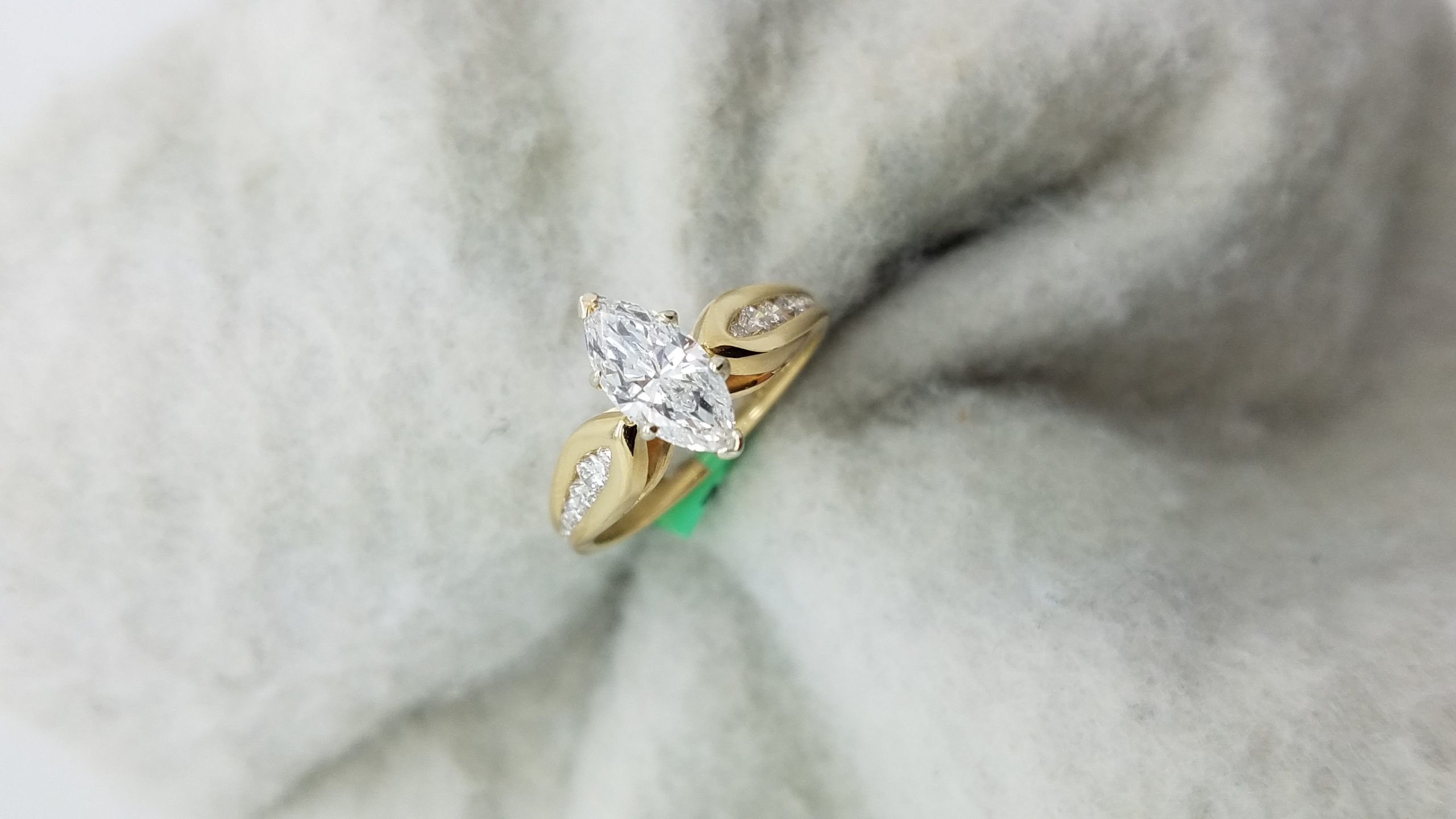 14KYellow Goldslim cathedral0.74+0.25ct.M+RCutDiamondGSI16-PRONGSSolitaire with AccentsEngagement-Ring