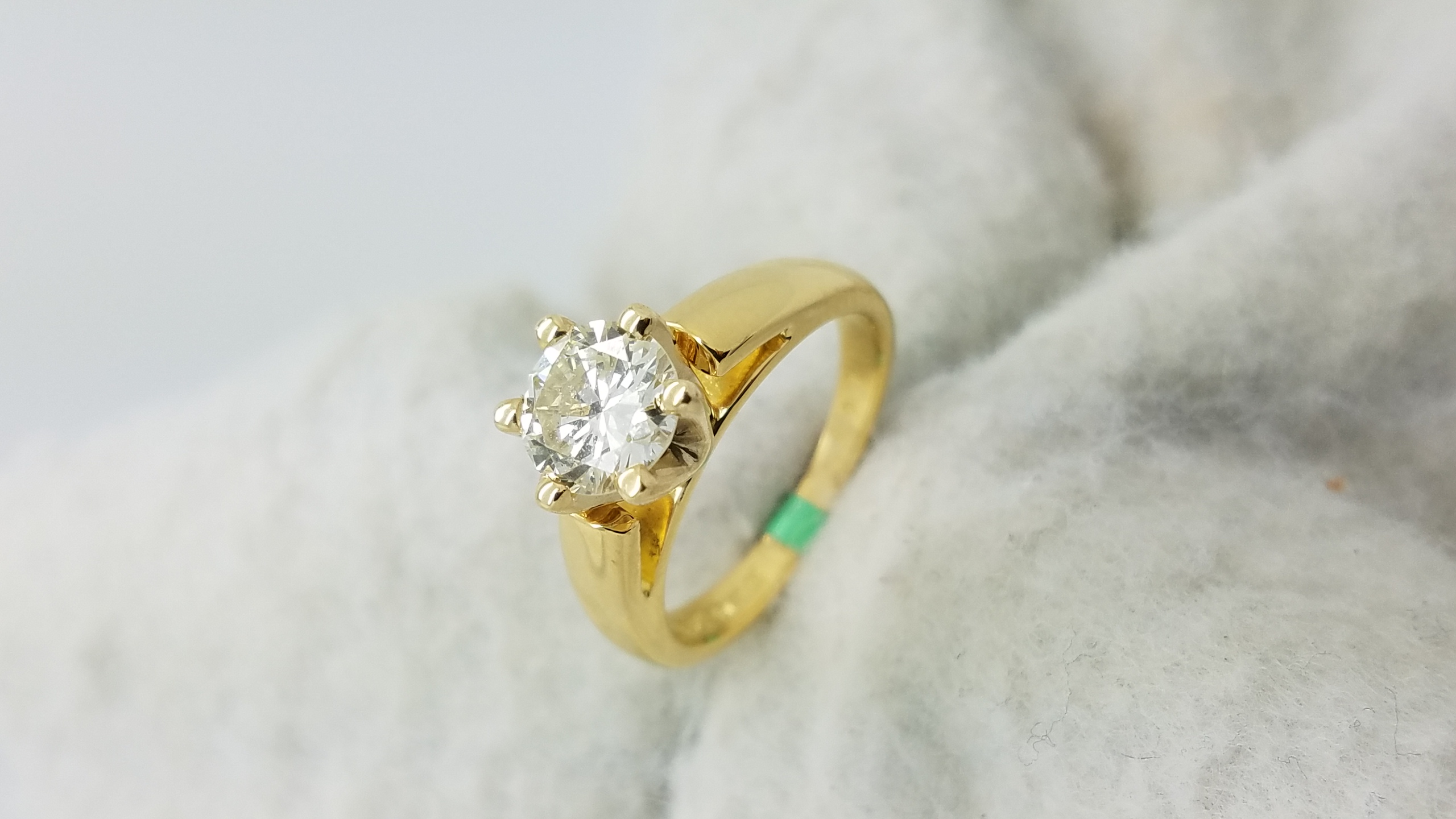 18KYellow GoldCathedral1.07ct.RoundCutLVS26-prongSolitaireEngagement-Ring