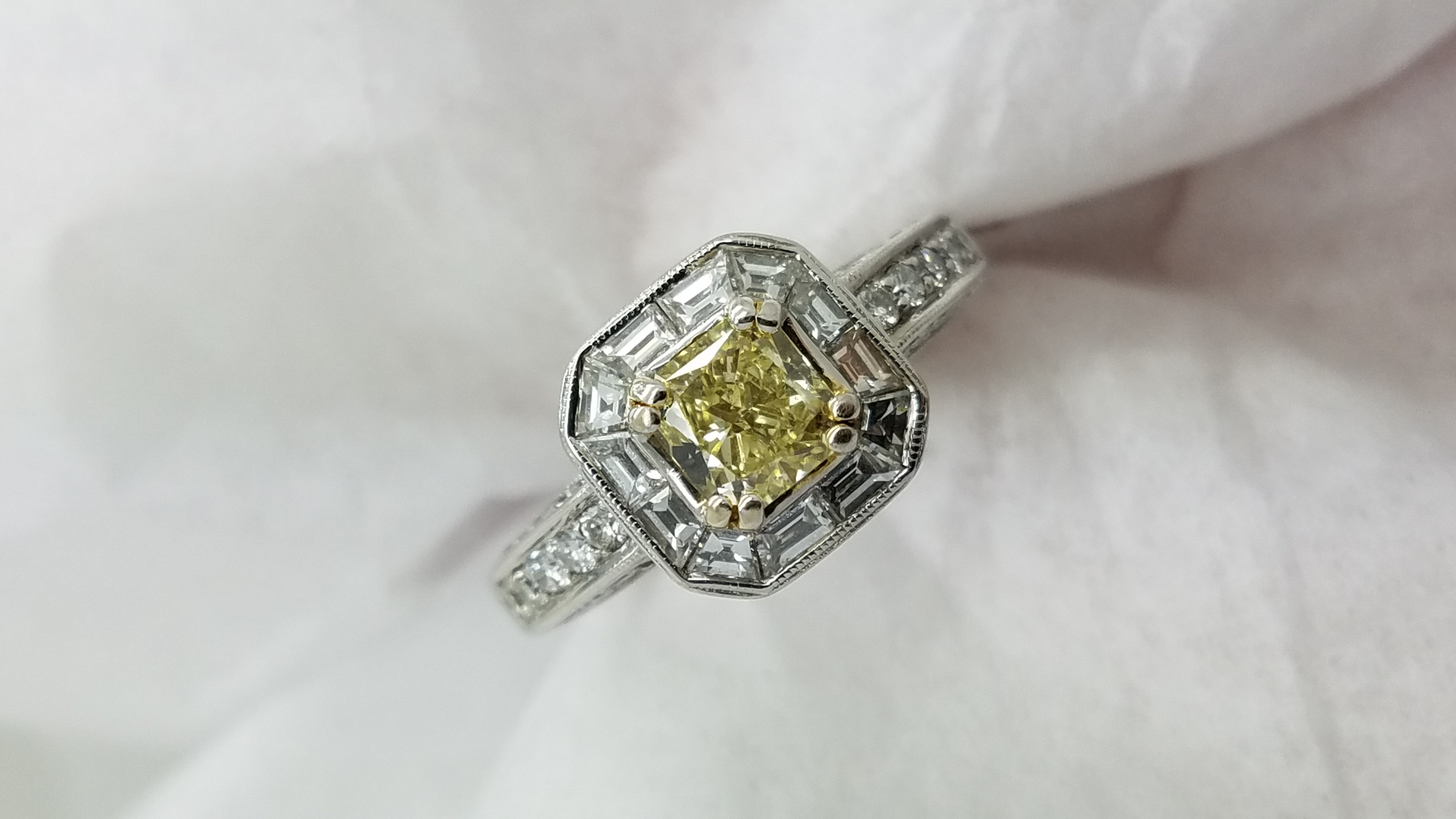 18K	TT	halo milgrain	0.80+1.00	ct.	RAD+B+R	Cut	Diamond	4-prong/ channel/pave	Solitaire with Accents		Engagement-Ring
