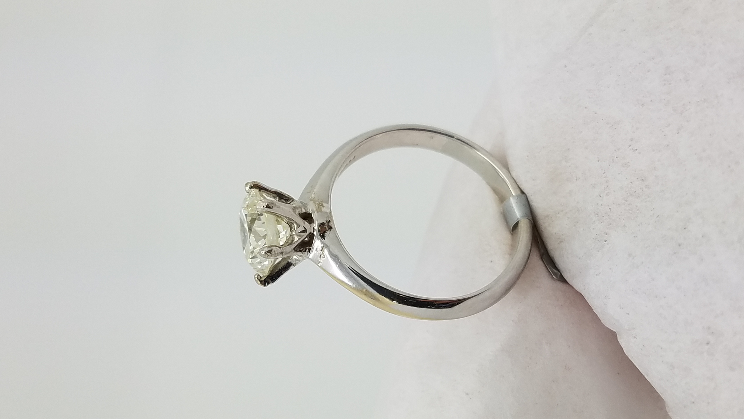 18k White Gold Crown Style 144 Ct R Cut Diamond 6prong Solitaire  Engagement