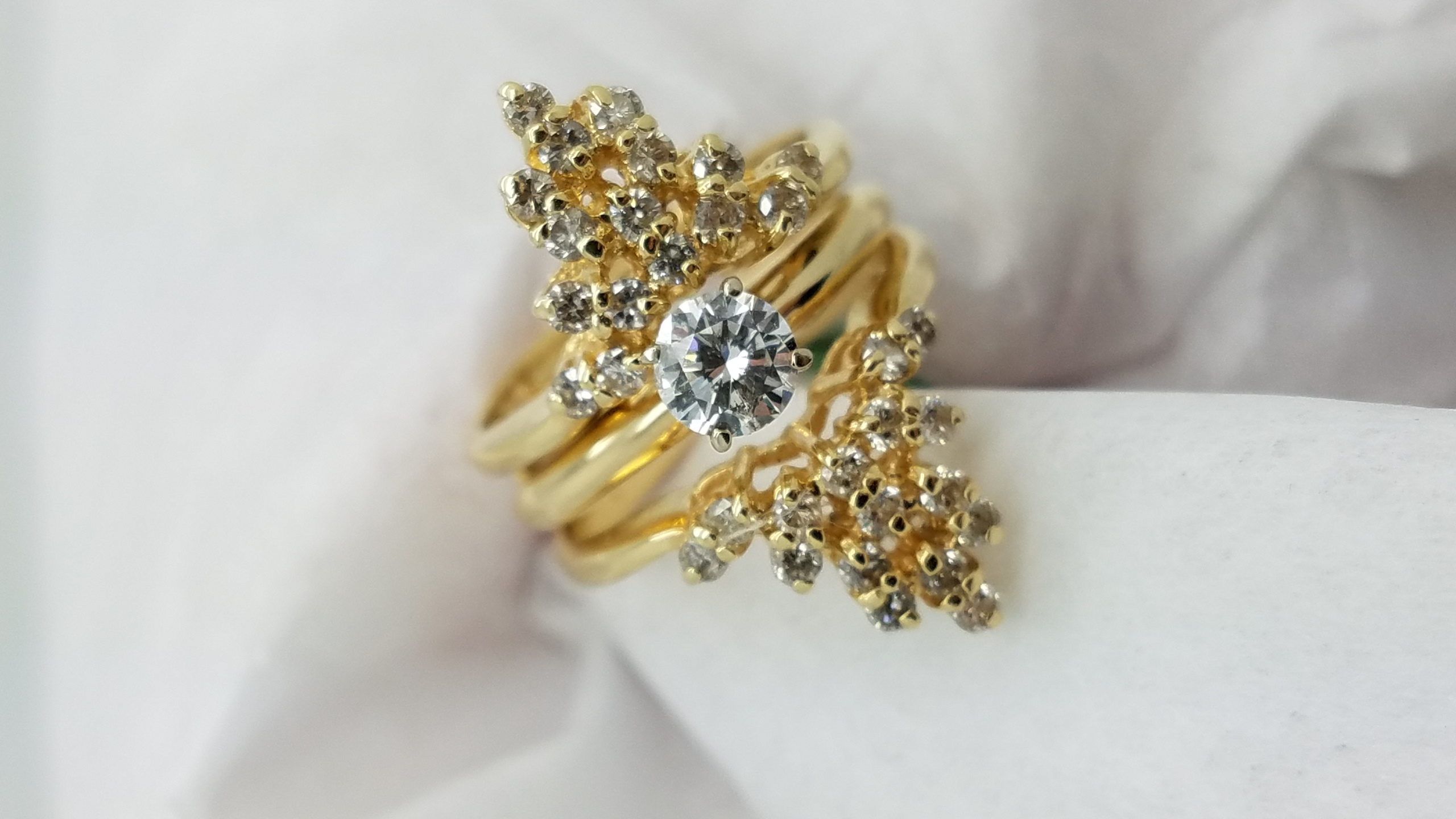 14KYellow GoldFloral jacket1.20ct.RoundCutDiamond4-prongSolitaire with AccentsEngagement-Ring
