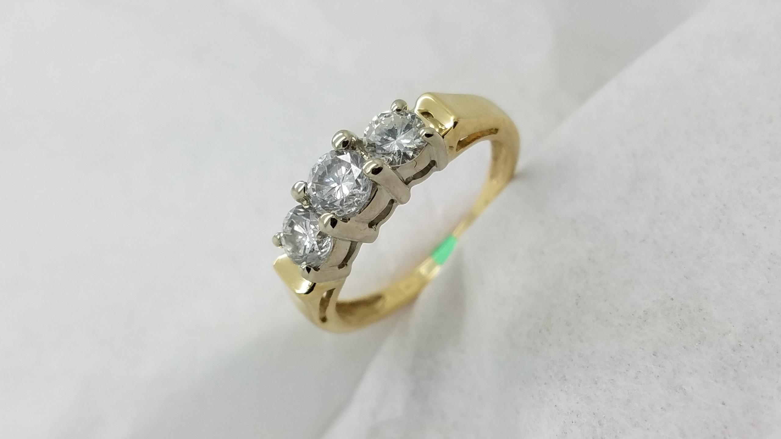 14KMulti-Tone Goldpast, present, future1.00CTRoundCUTDiamond4-prongThree-StoneEngagement-Ring