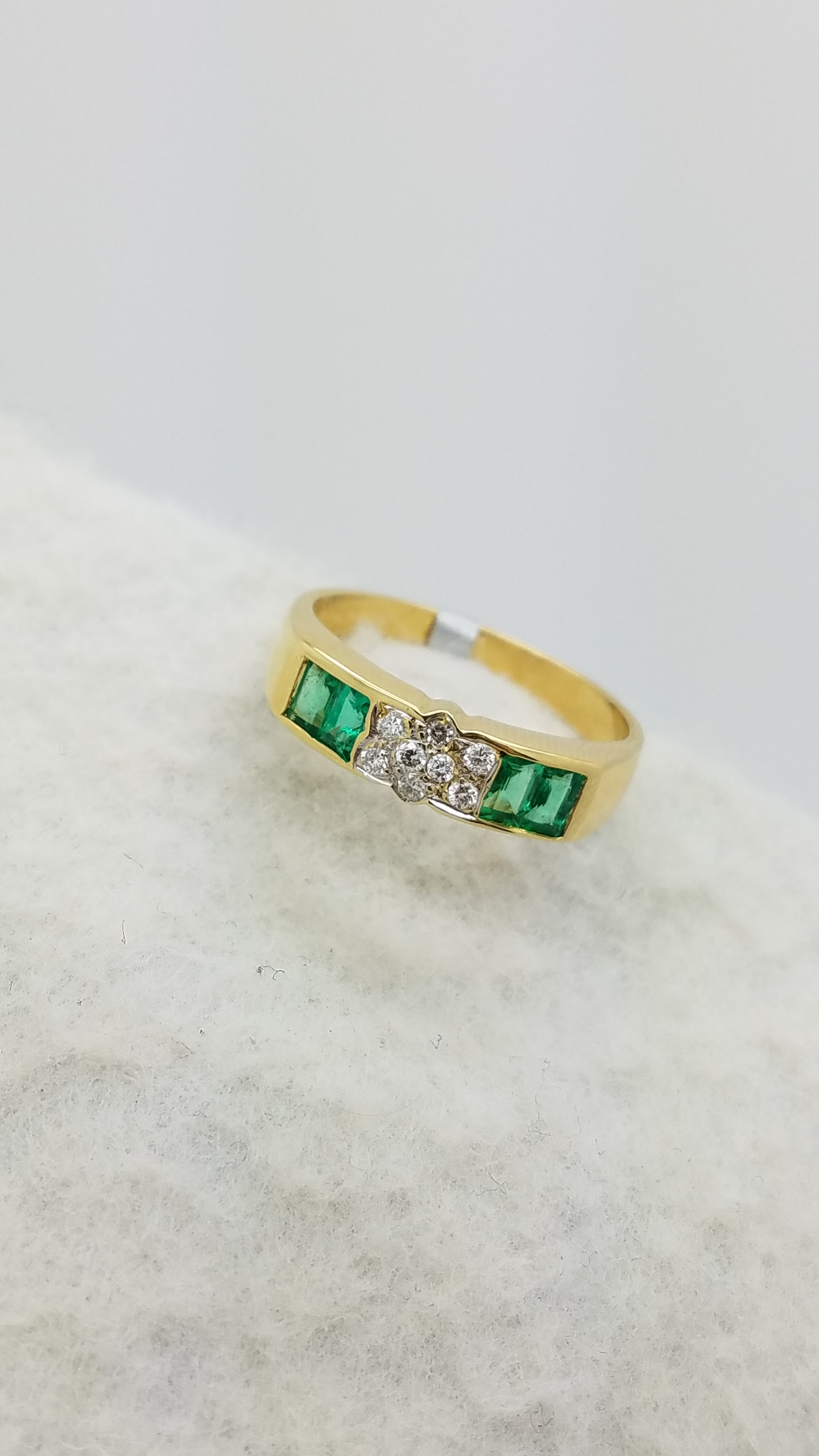 18K Yellow Gold EMERALD Cut EMERALD DIAMOND CLUSTER ring